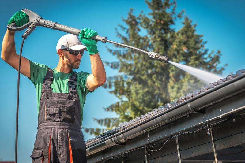 Gutter Cleaning Cost: DIY vs. Hiring a Professional