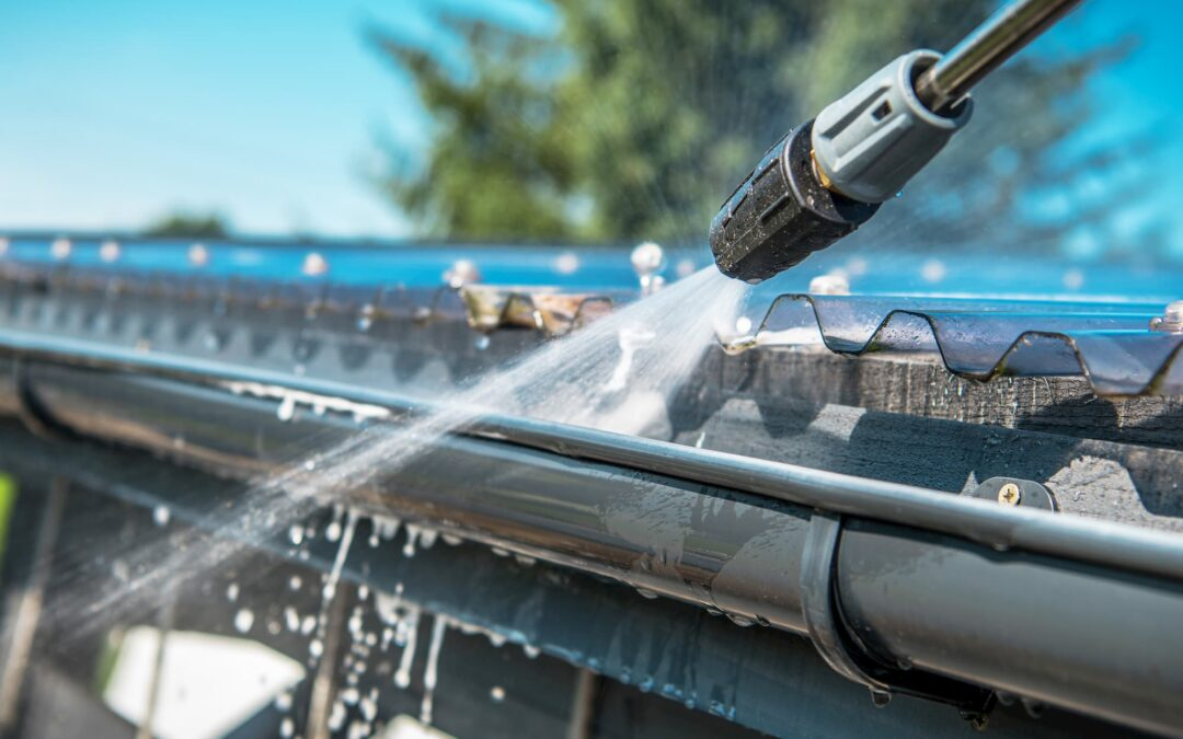 How to Select a Gutter Cleaning Service for Your Home
